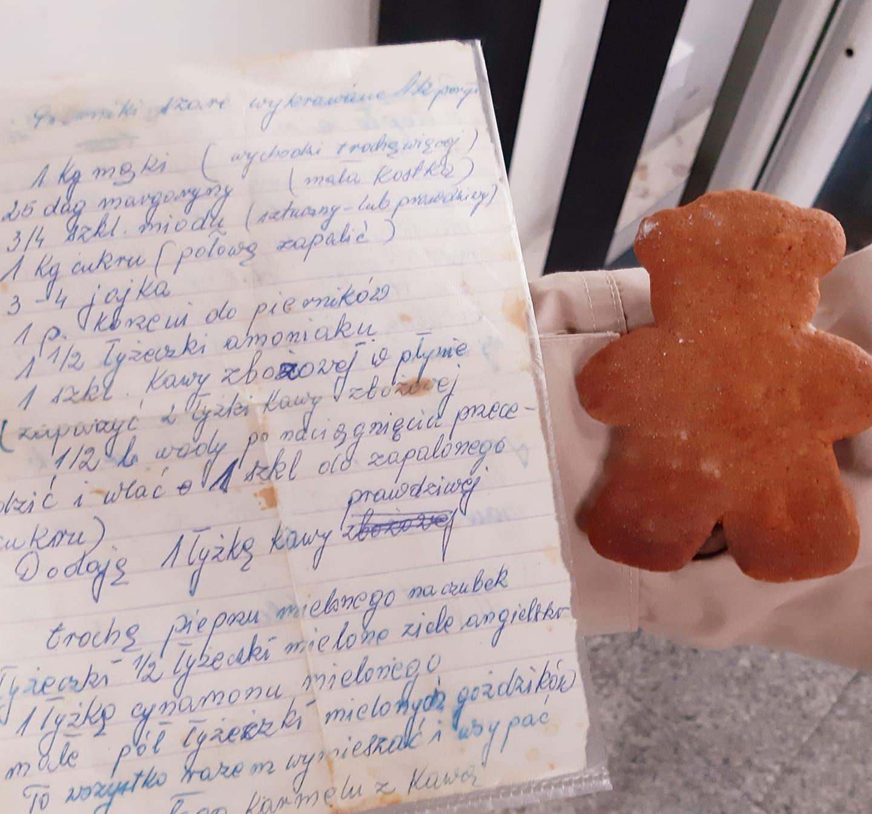 Rodzinny przepis na pierniczki szare na karmelu